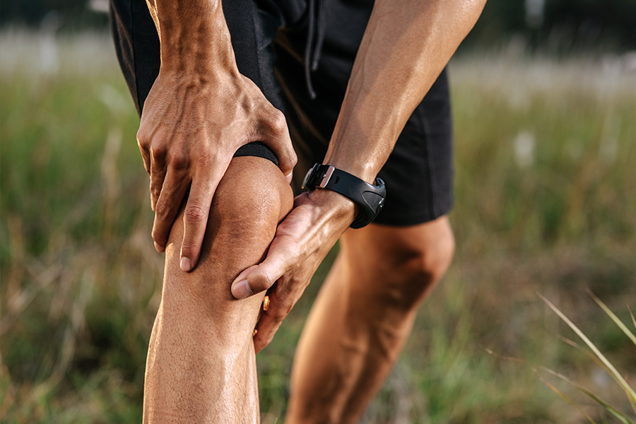 Patient experiences knee pain while exercising